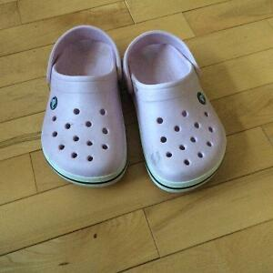 size 2 kids crocs