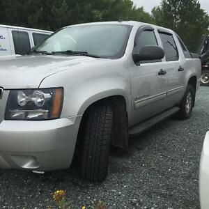 REDUCED PRICE 2010 Chevrolet Avalanche Pickup Truck