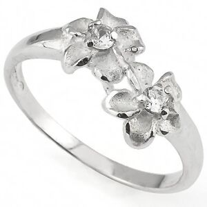 SPARKLING PLUMERIA RING WITH 0.925 STERLING SILVER