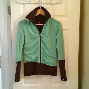 LULULEMON REVERSIBLE JACKET GREAT CONDITION LONG ARMS/ THUMBHLSP