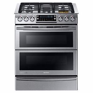 """Cuisinière au gaz de 5,8 pi³ avec technologie biénergie en acier inoxidable """" Collection Chef """" Samsung ( NY58J9850WS )"""
