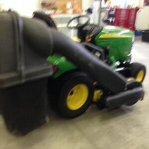 X485 John Deere Lawnmower