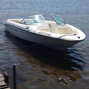 Bateau Sea-Ray inboard 3l Open Deck