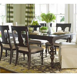 Paula Deen Dining Room Table and 6 Chaires, LIKE NEW