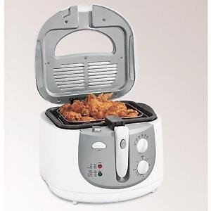 I'm  looking  for a deep fryer with locking lid..good clean cond