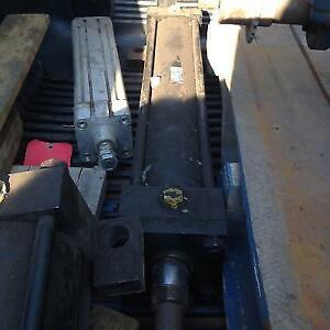 Hydraulic cylinder, Parker series 2H, 1-3/4 dia cyl Rod