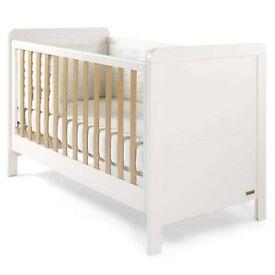Mamas and papas Rialto nursery suite