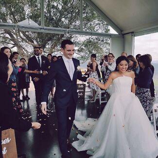 Stunning wedding dress!