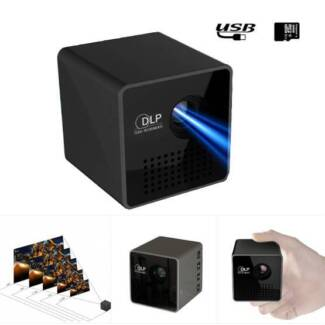 Unic P1 Mini LED Projector DLP Home Theater 30 LM Max. 70 inch