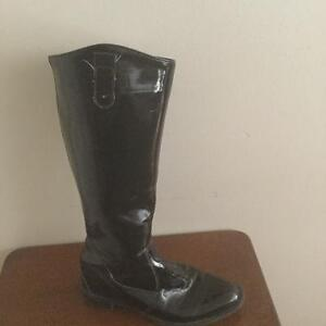 Ladies patent leather Boots