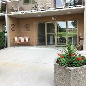 Condo for Sale - Large 1 Bedroom in Westmount!