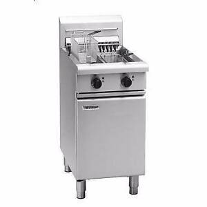 WALDOLF 4 PCE COMPLETE COMMERCIAL KITCHEN - VERY GOOD BUY