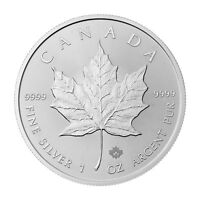 1 oz 2015 Canadian Maple Leaf Silver Coin !!