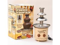 Nostalgia CFF-884 Chocolate Fondue Fountain Retro Design As New In Box RRP £49