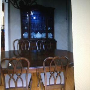 Dining table,chairs & hutch