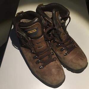 Vasque Summit GTX backpacking boots
