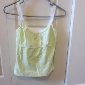 workout tops (Nikita brand) West Island Greater Montréal image 1