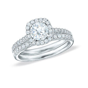 Gorgeous white gold diamond engagemet ring set!!