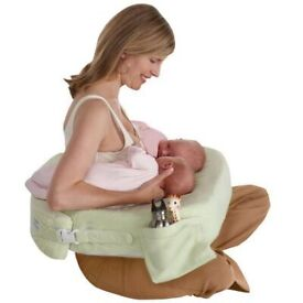My breast friend - tandem twin breast feeding and bottle