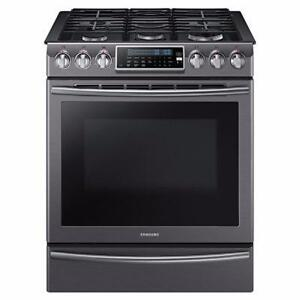 Cuisinière au gaz de 5,8 pi³ avec brûleur double de 18 000 BTU en acier inoxidable noir Samsung ( NX58K9500WG )