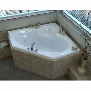 Jacuzzi Bathtub Unused (Mint Condition) $600.00 or Best Offer