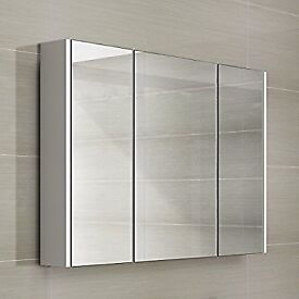Bathroom mirrored cabinet (new but with a small chip)