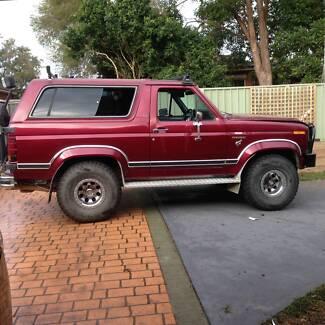 1986 Ford Bronco Wagon