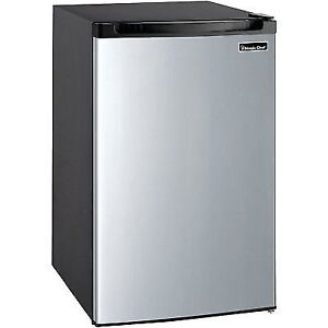 Magic Chef Mcbr 440S2 Refrigerator, 4.4 Cu-Ft., Stainless St