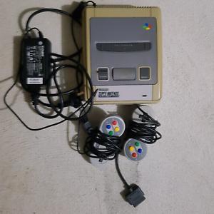 Super Nintendo console plus 2 controllers Baldivis Rockingham Area Preview