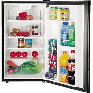 GE 4.5 cu Bar fridge