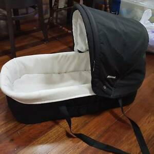 MOBILE BASSINET Machans Beach Cairns City Preview