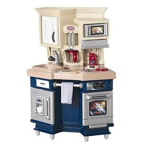 Little Tikes Super Chef Kitchen With Accessory Set-New In Box