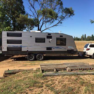 2014 Pacific Islander Caravan - triple bunk