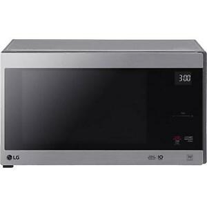 30-inch, 1.5 cu.ft. Countertop Microwave Oven with EasyClean