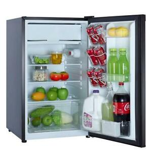 Magic Chef 4.4-Cubic Foot Refrigerator, Black