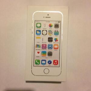 FACTORY UNLOCKED BRAND NEW APPLE IPHONE 5S 16GB Silver /WHITE ✅R
