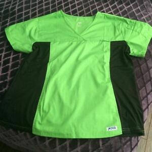 Scrub Top-lime green