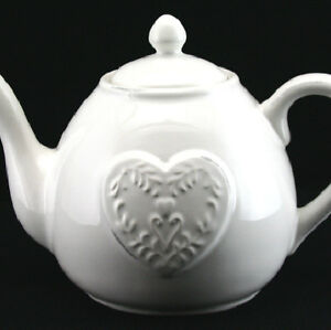 NEW GISELA GRAHAM VINTAGE STYLE WHITE CERAMIC EMBOSSED HEART TEAPOT