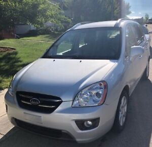 KIA RONDO EX + 4 winter tires