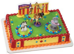 MADAGASCAR-3-THREE-RING-CIRCUS-CAKE-TOPPER-Decoration-Kit