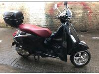 Vespa Primavera 125 Black with Red Seat