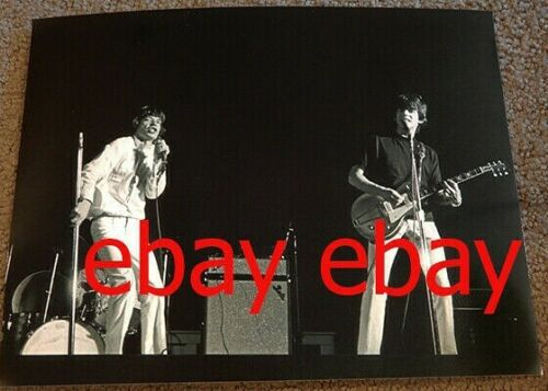 PHOTO~The Rolling Stone 1966 concert-Mick Jagger, Keith Richards ON STAGE LIVE