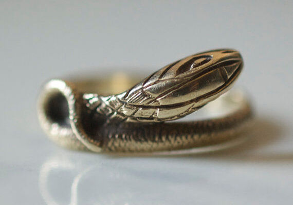 Vintage Gold Jewellery A Buyers Guide