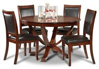Round dining table and 4 chairs, like new