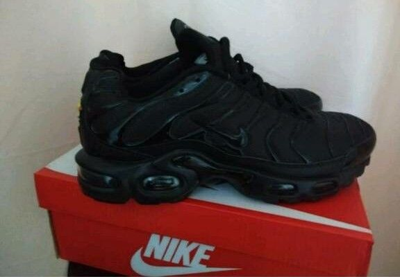 outlet store 8555c 6b5a2 Nike Triple Black TNs Trainers Airmax Size 7 Not ADIDAS   in Walsall, West  Midlands   Gumtree