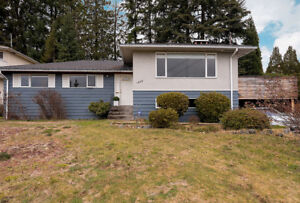 3 Bedroom Updated Single House in West Vancouver