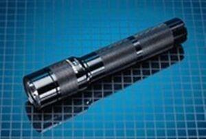 Surefire 8X tactical rechargeable flashlight set