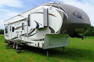 GREAT DEAL 5th wheel Trailer 325 SRX Cougar Toy Hauler