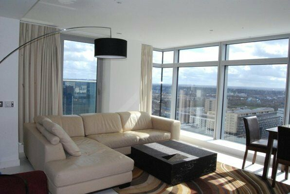 SPACIOUS 27th FLOOR 2 BED 2 BATH LUXURY APARTMENT IN PAN PENINSULA CANARY WHARF E14 ISLE OF DOGS E14