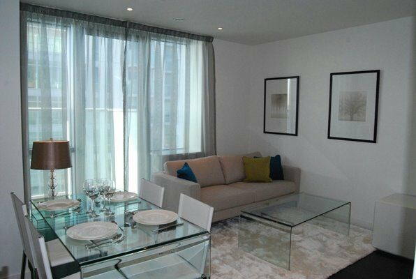 BEAUTIFUL ONE BEDROOM APARTMENT IN PAN PENINSULA TOWER CANARY WHARF E14 / SOUTH QUAY DLR